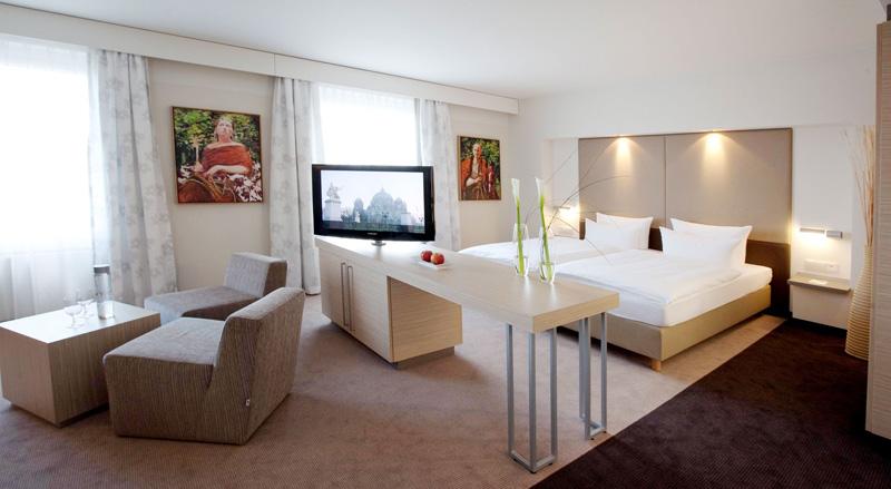 kaldewei weit mehr als deutschlands gr tes hotel im estrel berlin erlangt luxus eine neue. Black Bedroom Furniture Sets. Home Design Ideas